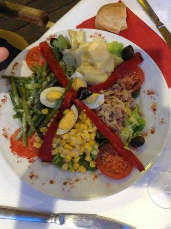"""Le Café La Nuit: """"salade nicoise"""""""