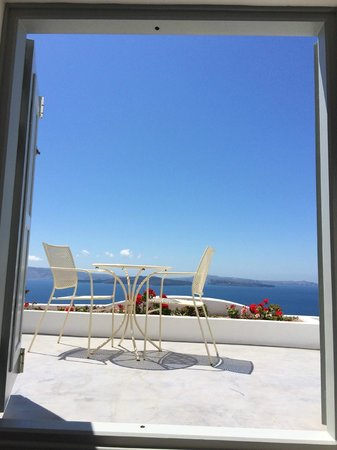 Andronis Boutique Hotel : This shot was taken while lying in bed... heaven.