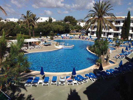 Inturotel Cala Azul Garden: Pool view!