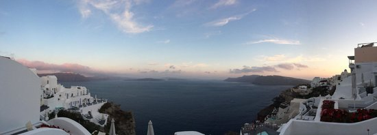 Andronis Boutique Hotel : Panoramic shot of the sunset from our 1st floor balcony.