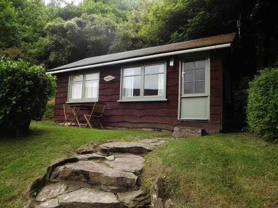 Grattons Cedar Lodges: Buttercup lodge
