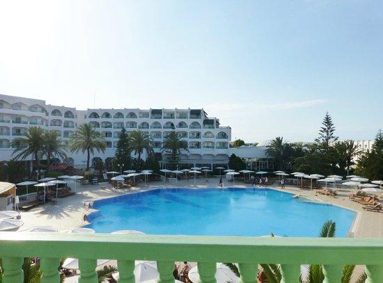 El Mouradi Palace : Pool area from my balcony
