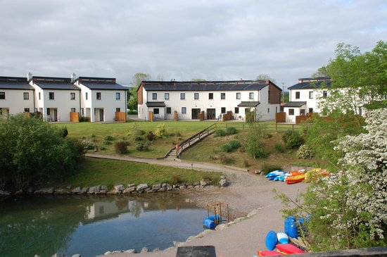 Ballyhass Lakes Activity Centre, Fishing & Wakepark : looking up from the lake