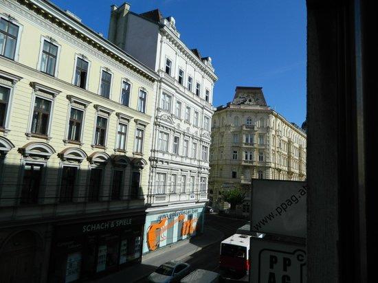 Tea Vienna City Hotel: foto  vista da janela do quarto