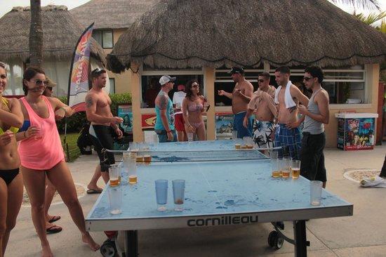 Allegro Playacar : Beer pong