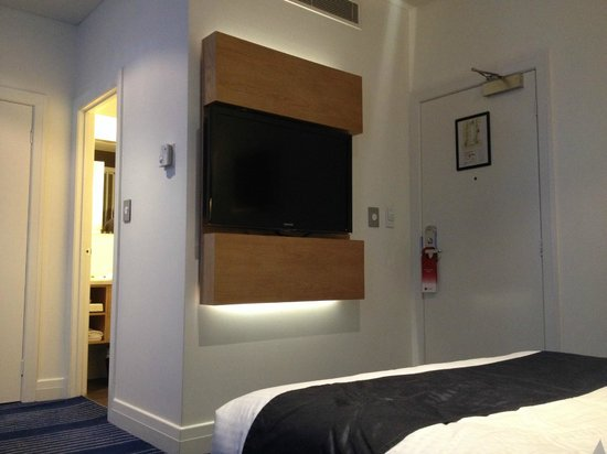 Rendezvous Hotel Melbourne: TV