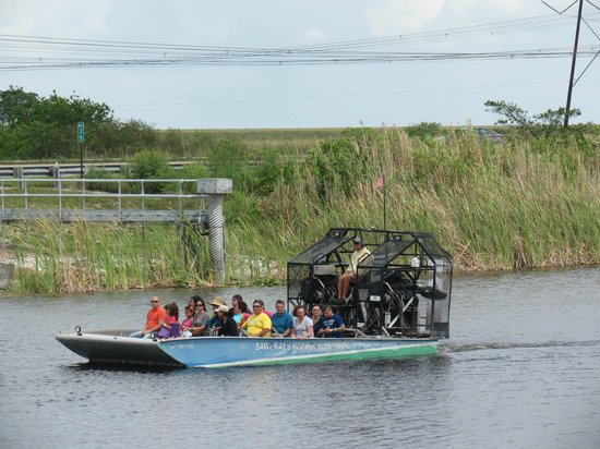 Sawgrass Recreation Park: airboat