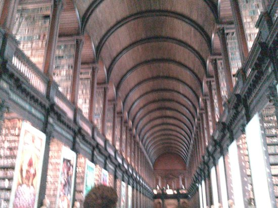 The Book of Kells and the Old Library Exhibition: biblioteca