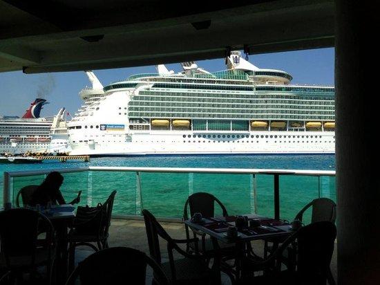 El Cid La Ceiba Beach Hotel: crucero