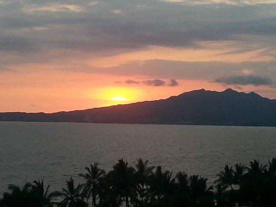 Marival Residences Luxury Resort Nuevo Vallarta: coucher de soleil