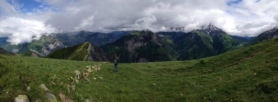 Ferme Noemie Campground : The view from one of the nearest alpes