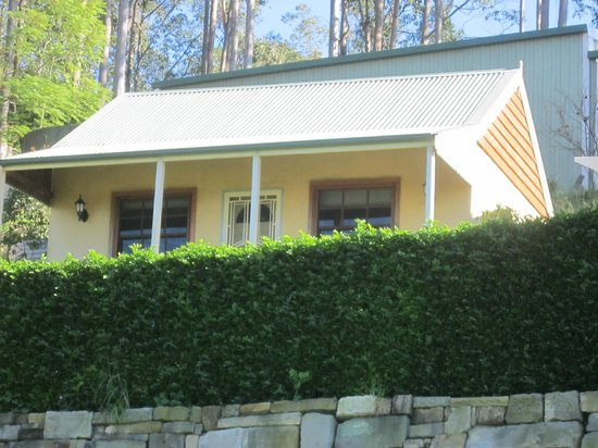 Wine Country Limousines - Tours: The Lovely Cottage that I've stayed