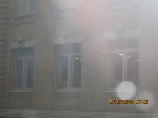 Haunted Hannibal and Historic Tours: Everywhere I looked there were orbs and spirits.