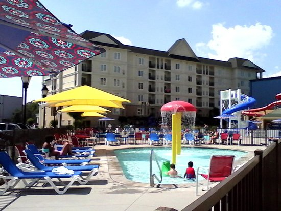 Resort at Governor's Crossing: From parking lot