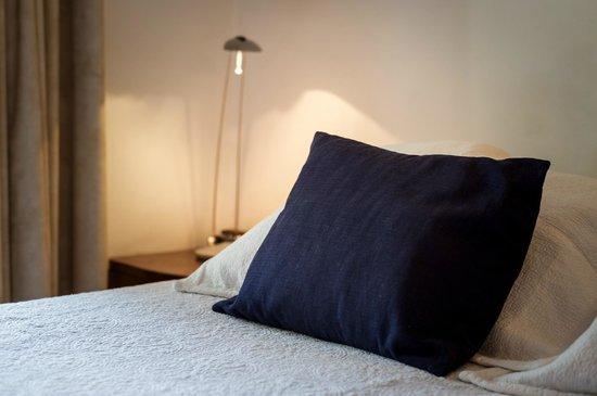 Modigliani Art & Design Suites Mendoza: Camas Sommier de primera linea