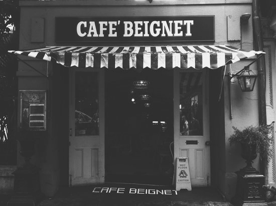 Tastebud Tours Food Tours: cafe beignet from the outside