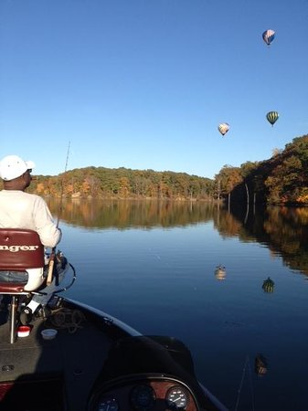 Arkansas: Balloons over Lake Dunn