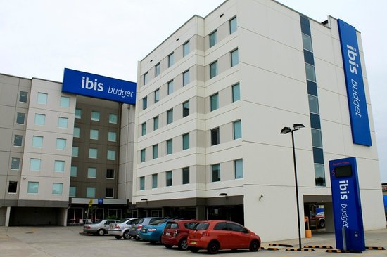 Ibis Budget Hotel Sydney Airport: fachada do hotel
