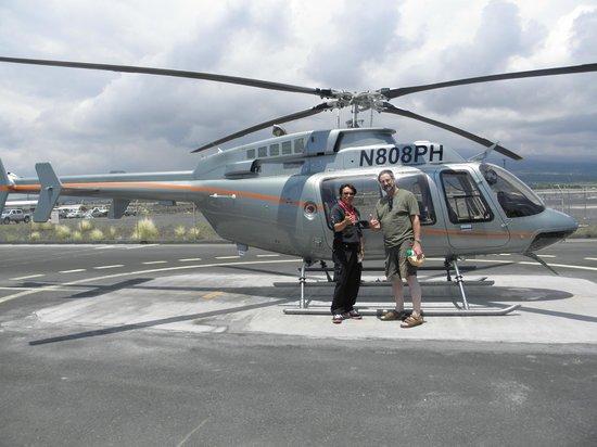Paradise Helicopters - KONA: Passenger & Pilot