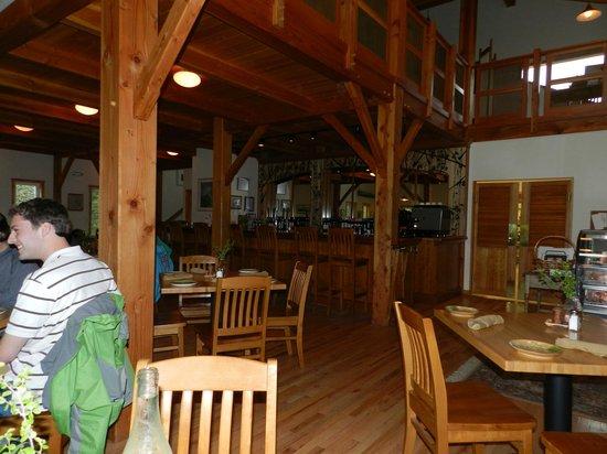 229 Parks Restaurant and Tavern : Casual But Elegant Interior
