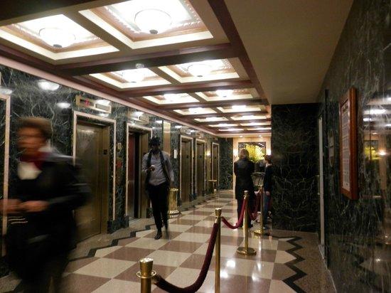 Hotel Edison Times Square: Area dos elevadores