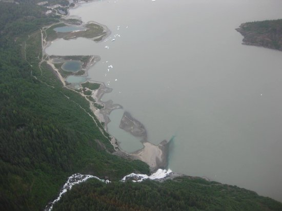 NorthStar Trekking : Flying over the Nugget Falls (I think) and Mendenhall Lake