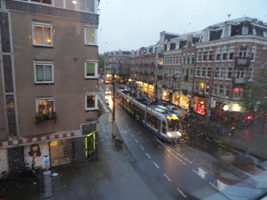 easyHotel Amsterdam City Centre South: vista do quarto