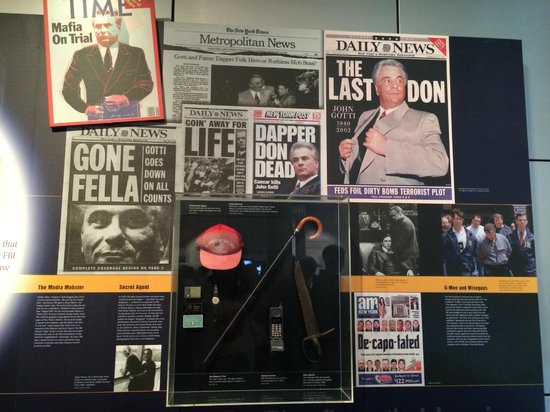 Newseum : The Mob
