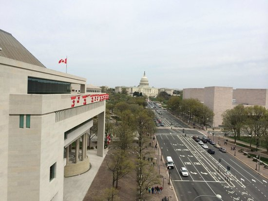 Newseum : View of the Capitol
