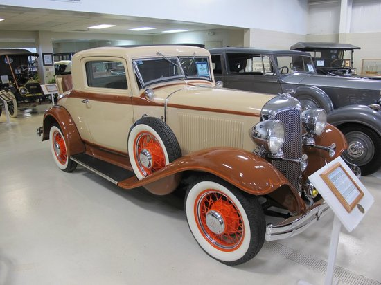 Swope's Cars of Yesteryear Museum: 1932 Chrysler Sport Coupe