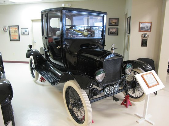Swope's Cars of Yesteryear Museum: 1919 Model T Ford Coupe