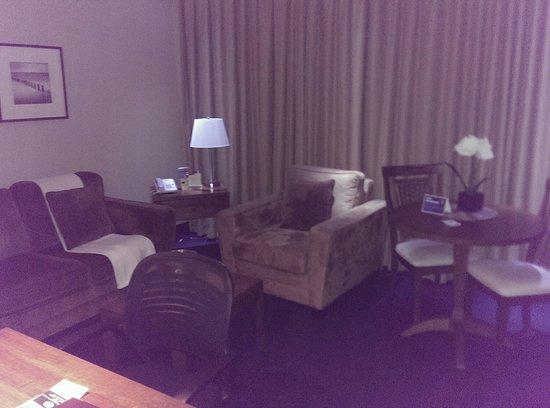 Hotel Le Navigateur : Living area in queen suite