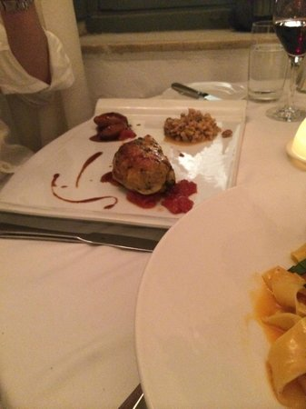 1800-Floga Restaurant: The Rooster
