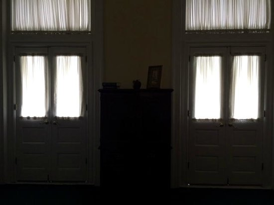 Menger Hotel: French doors in our room