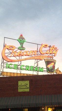 Cream City : Cool sign