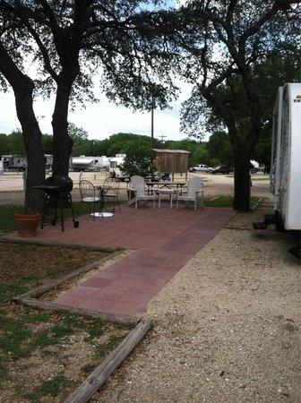 Fredericksburg KOA Kampground: Deluxe site.