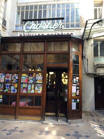 Le Bouillon Chartier : The entrance