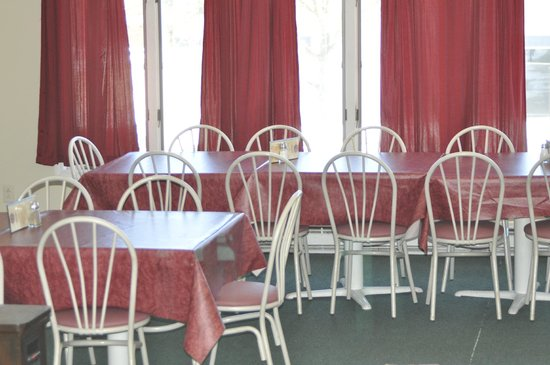 Cap'n Morgans Sports Bar & Grill: Private seating for parties and large groups with reservation.