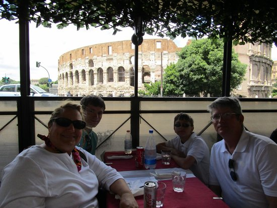 Hostaria al Gladiatore: Great view from covered seating...