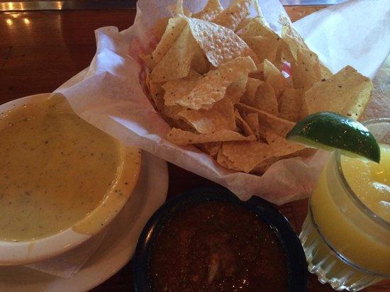 El Arroyo: Quest, chips, salsa, frozen margarita