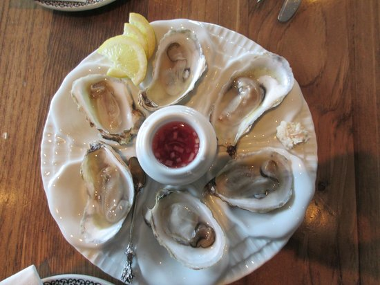 The Hubb at Angeline's : shucked oysters