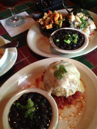 Palmer's Restaurant Bar: Stuffed avocado and chile rillenos