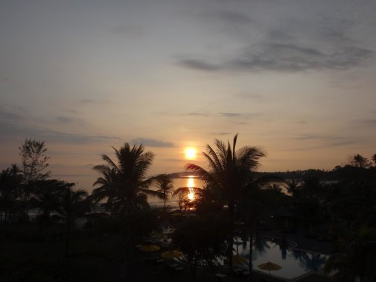 Angsana Bintan: sunrise view from 4th floor balcony