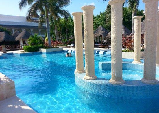 Grand Riviera Princess All Suites Resort & Spa: Laguna Villas exclusive pool