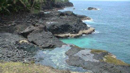 Roca S Joao Dos Angolares Ilha Das Rolas Tomé E Principe
