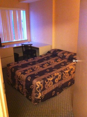 Residence & Conference Centre - Kitchener-Waterloo: Room