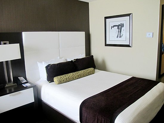 Best Western Premier Miami International Airport Hotel & Suites: Very comfy beds