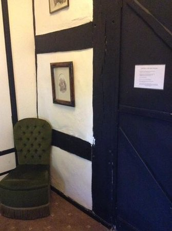 The Tudor House: room 3