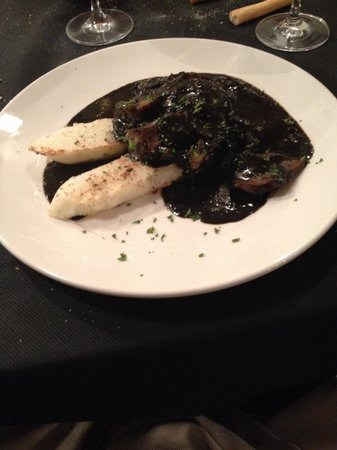 Osteria alle Testiere : Cuttlefish in black squid ink sauce with polenta