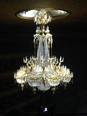 Bolschoi-Theater: bolshoi main chandelier.